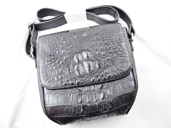 Túi đeo da cá sấu Livan đen gù