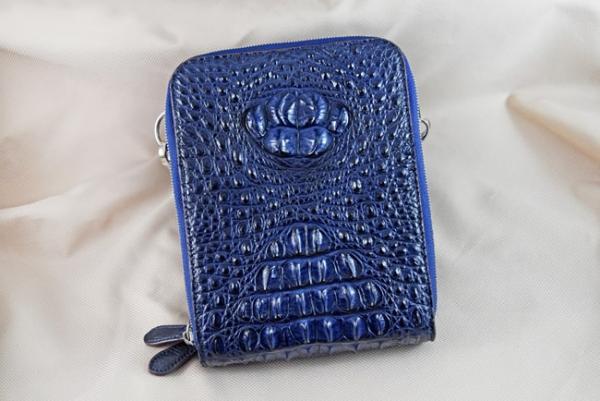 Túi đeo da cá sấu Sanba xanh dương gù