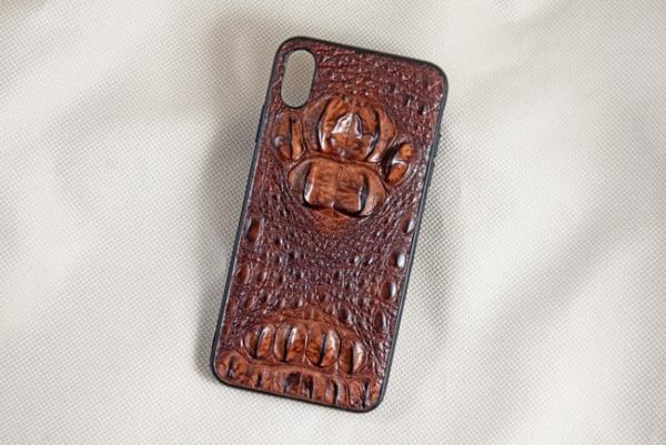 Ốp lưng da cá sấu Iphone XS Max gù nâu đỏ