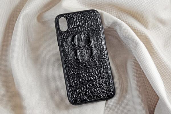 Ốp lưng da cá sấu Iphone XR gù đen