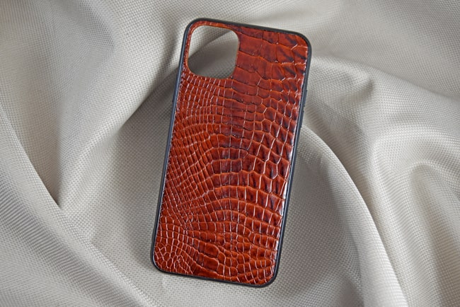 Ốp lưng da cá sấu Iphone 11 nâu đỏ